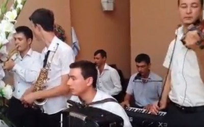 Играют Сырдаринские музыканты